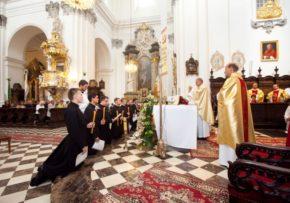 Śluby nowicjuszy II roku PME.