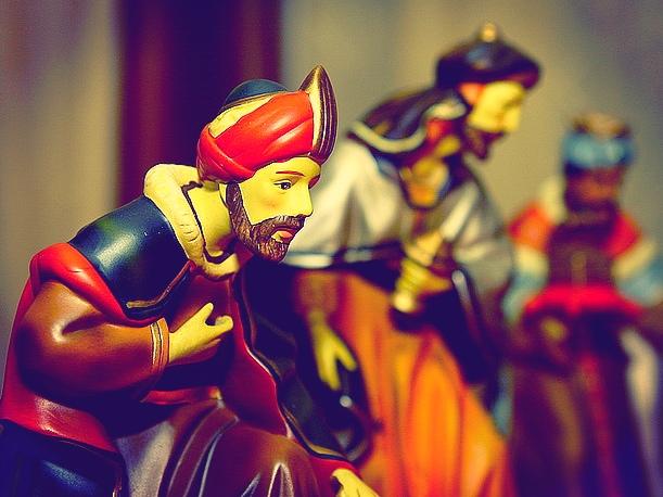 Magowie, mędrcy czy królowie?