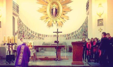 Z ikonami u Matki Bożej Łaskawej