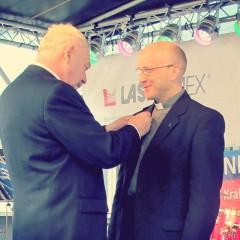Medal Honoris Gratia dla o. P. Brożyniaka