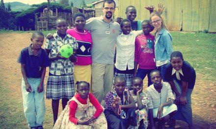 Komputery i cement – wolontariat w Kenii