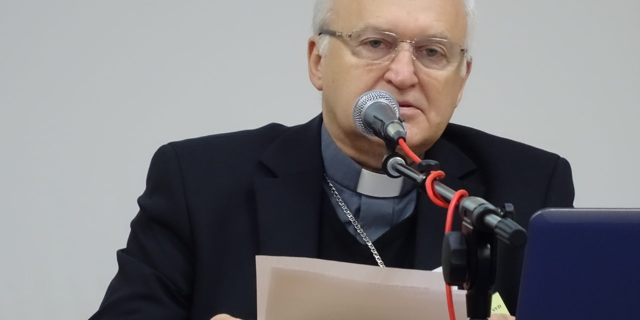 ECCC: Biskupi o przeciwdziałaniu korupcji i finansach