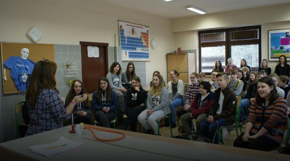 Jezuickie Centrum Społeczne: Uchodźcy dzielą się swoimi talentami!