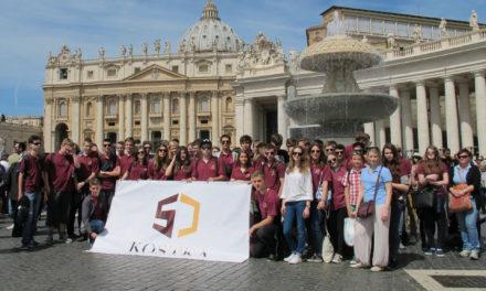 Papież Franciszek pozdrowił uczniów jezuickiego gimnazjum z Krakowa