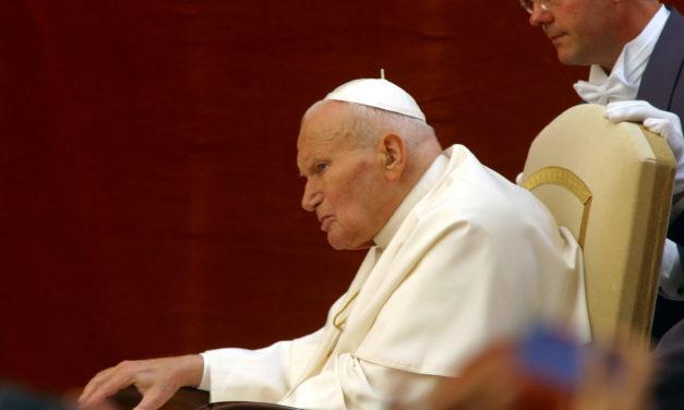 Jacek Siepsiak SJ: Czy Franciszek kontynuuje nauczanie Jana Pawła II?