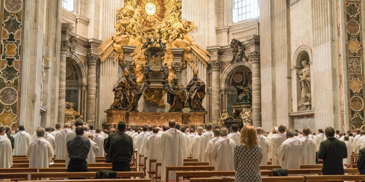 W ciszy, szeptem i z pokorą – jezuici wybierają przełożonego | 36 KG