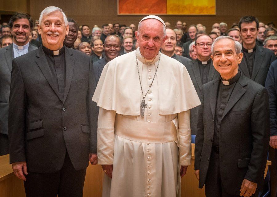 Papież Franciszek odwiedził 36. Kongregację Generalną [WIDEO] | 36 KG