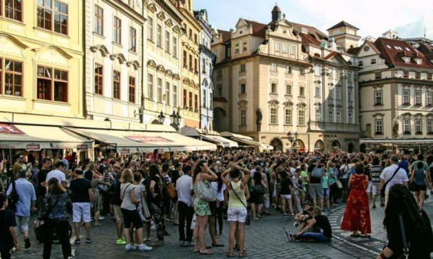 Bliskość w tłumie