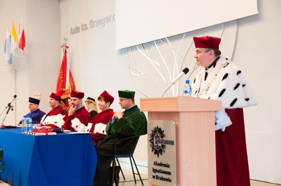 Abp Marek Jędraszewski na Święcie jezuickiej Akademii Ignatianum