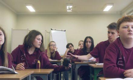 Poruszający spot krakowskiego liceum jezuitów [WIDEO]