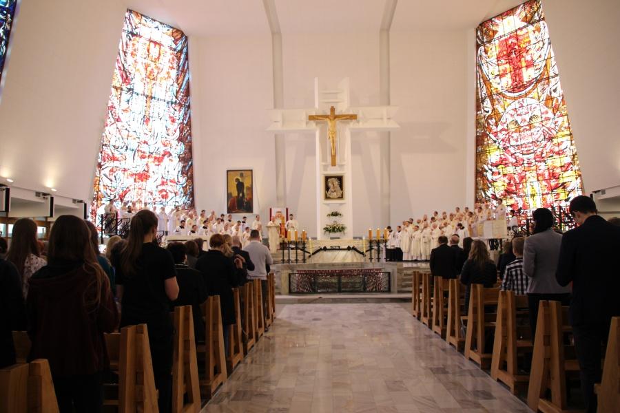 Warszawa: 6 jezuitów przyjęło święcenia diakonatu [GALERIA]