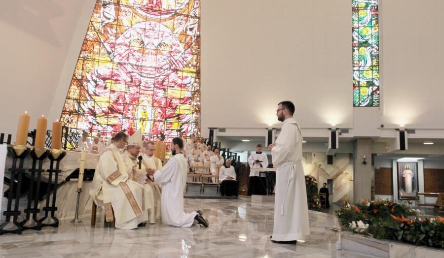 Święcenia prezbiteratu w Warszawie: powołani by słuchać