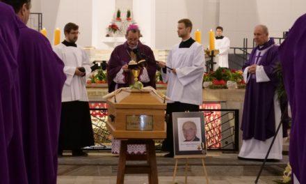 Pogrzeb ojca Tadeusza Wołoszyna SJ
