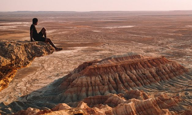 Nowy Adam na pustyni