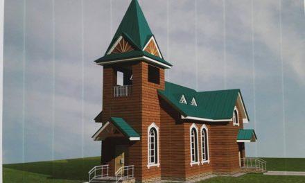 Rosja: parafia prowadzona przez jezuitów odbudowuje spalony kościół