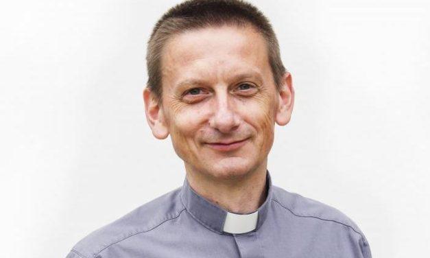 """Jakub Kołacz SJ w programie """"Młodzież kontra czyli pod ostrzałem"""""""