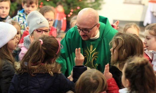 Ojciec Grzegorz Kramer SJ obrońcą godności dzieci