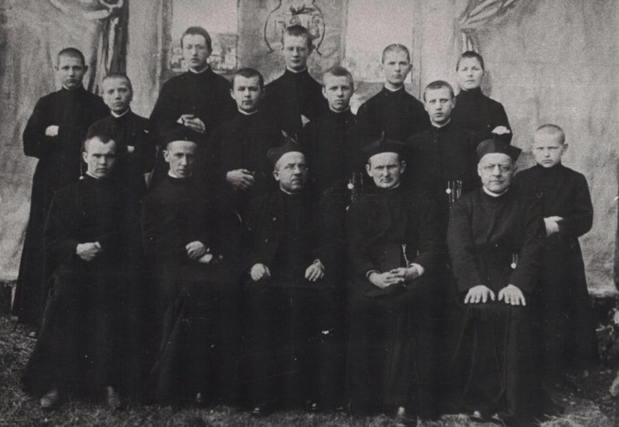 Nowicjat w Starej Wsi (1916-1917)