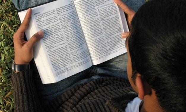 Bóg mówi przez Słowo
