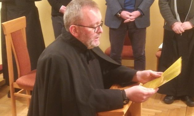 Uroczysta profesja zakonna o. Piotra Aszyka SJ