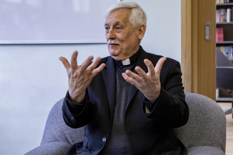 Arturo Sosa SJ spotkał się z nauczycielami i pracownikami jezuickiego liceum