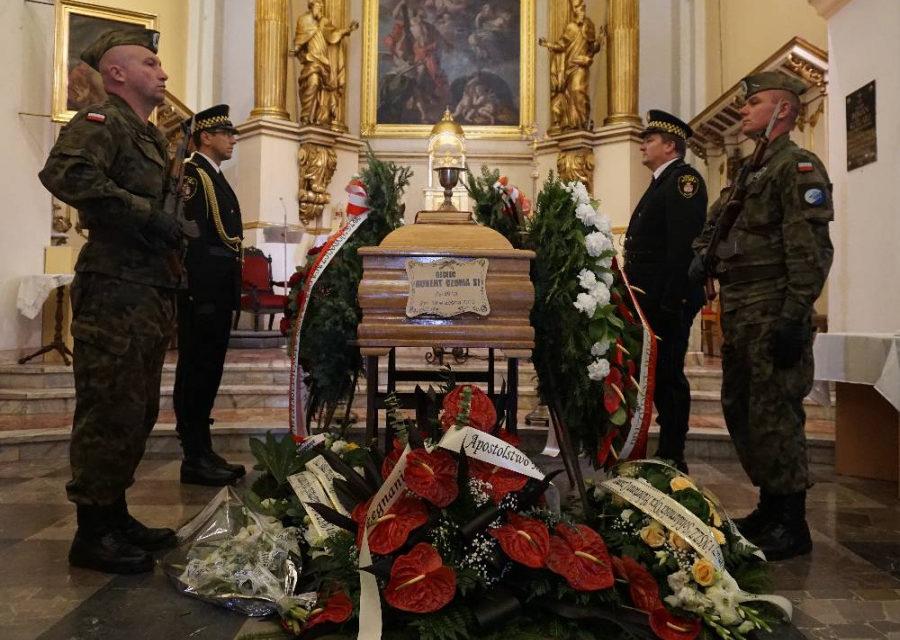 Radom: Pogrzeb ojca Huberta Czumy SJ