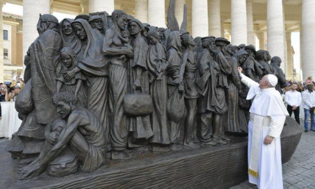 Ojciec Michael Czerny SJ pomysłodawcą rzeźby na Placu św. Piotra