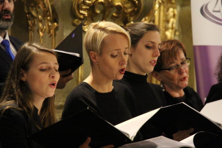 Radio Rodzina: Muzyka z jezuickich misji w kaliskiej katedrze