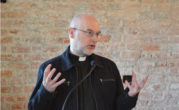 Zarzuty wobec Benedykta XVI są manipulacją – pisze Dariusz Kowalczyk SJ