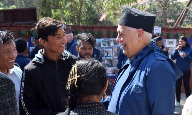 Generał jezuitów z wizytą w Indiach i Nepalu