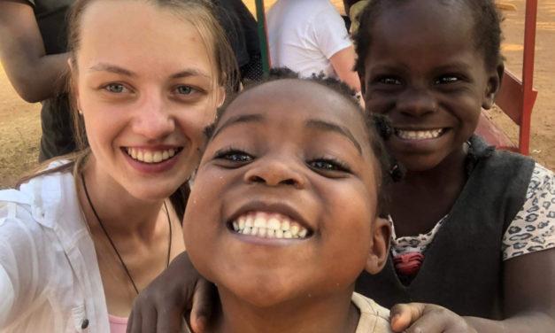 Toruń: Wolontariusze dadzą koncert zanim wyruszą do Zambii