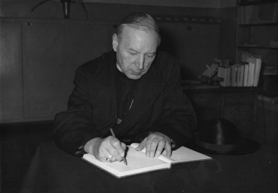 Jezuici wydali album o Kardynale Stefanie Wyszyńskim