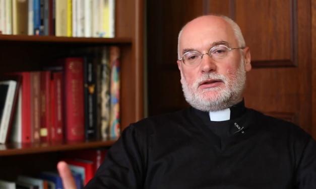 Biskup w czasie zamętu – jezuita głosił rekolekcje dla Episkopatu Polski