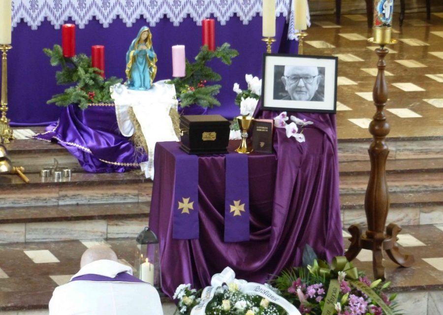 Pogrzeb o. Jana Ożoga SJ