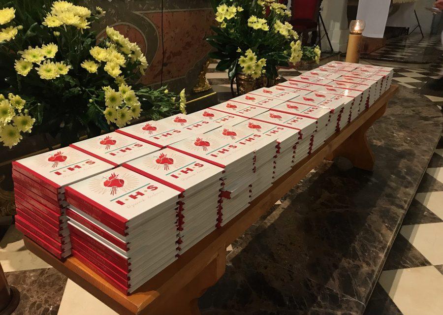 Stara Wieś pełna młodzieży – rozpoczęcie rekolekcji MAGIS