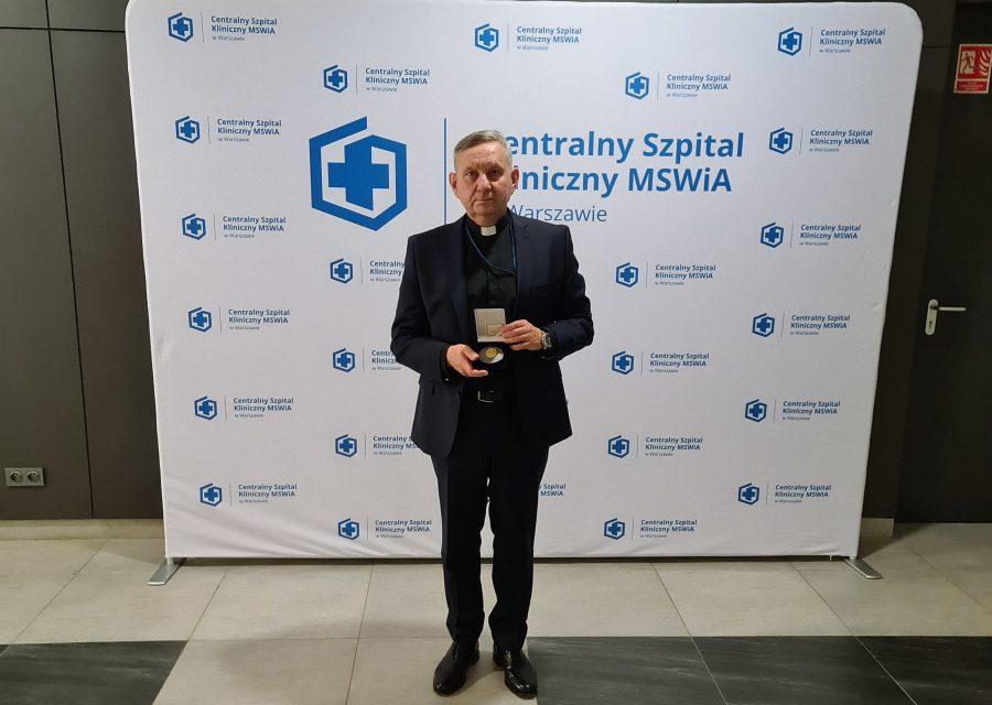 Jezuici podczas obchodów 70-lecia istnienia Centralnego Szpitala MSWiA w Warszawie